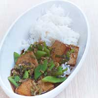 Braised tofu with black pepper and scallions ,